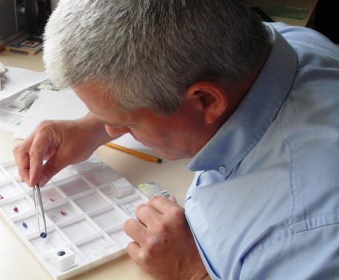 How to Create a Piece of Bespoke Gemstone Jewellery